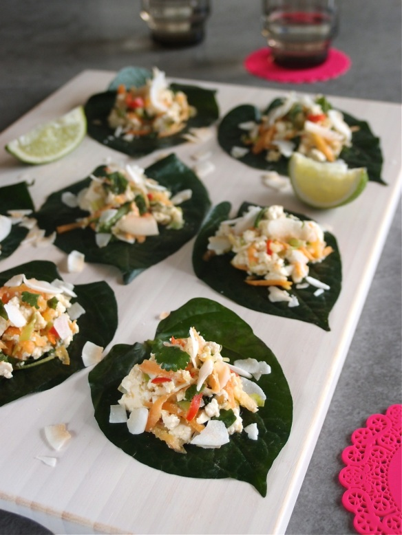 Betel leaves topped with Thai tofu